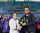 Panda Mobile mendapatkan penghargaan dengan kategori edukator pendidikan lingkungan hidup terbaik.