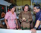 Kunjungan Asisten I Bidang Pemerintahan ke stand Desa Menua Sadap