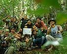 Joe Taslim bersama teman-teman ranger dan Tim Riset Harimau.
